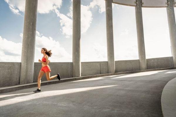 6 กีฬาที่สามารถทำได้คนเดียว ใคร ๆ ก็เล่นได้ - วิ่ง