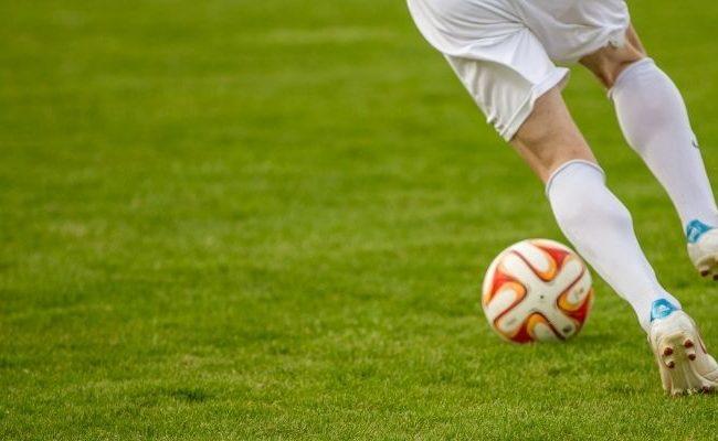 ทำความรู้จักกับประวัติฟุตบอล และกฎกติกาการเล่น